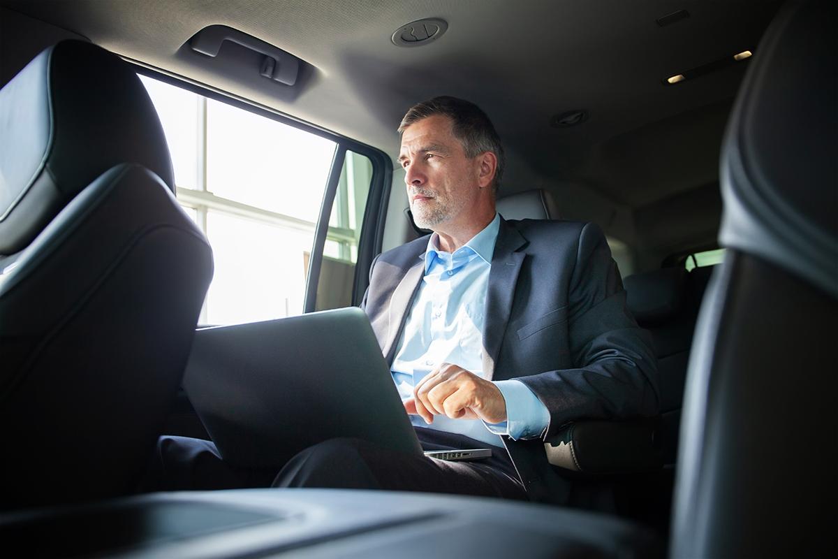 4 razões para sua empresa escolher a locação de carros com motorista